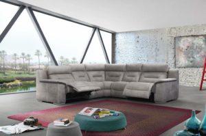 Чем отмыть диван в домашних условиях?